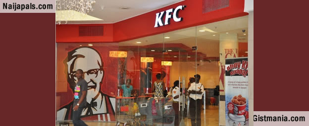 "kfc kentucky fried chicken in nigeria At kentucky fried chicken, they ""hold"" the chicken in an oven set to 175 degrees for about 20 minutes according to a former employee this allows the chicken to finish cooking while keeping it warm and the skin crunchy."